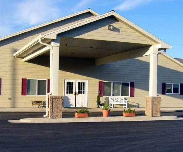Exterior shot of rosholt countryside inn